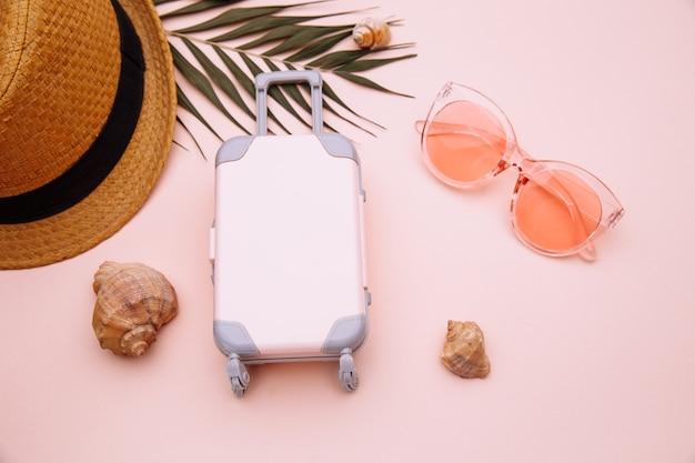 Mini walizka podróżna ze skarbonką