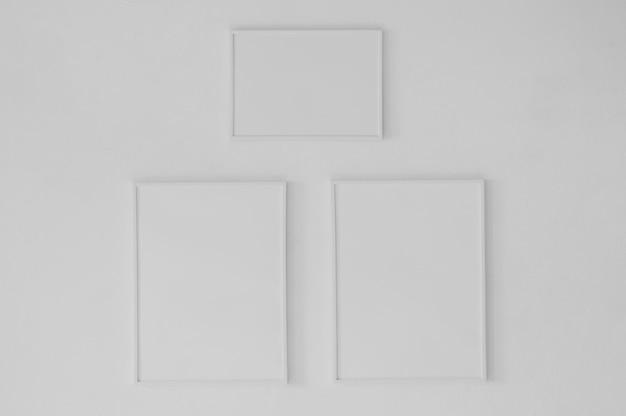 Minimalistyczna kompozycja pustych ramek