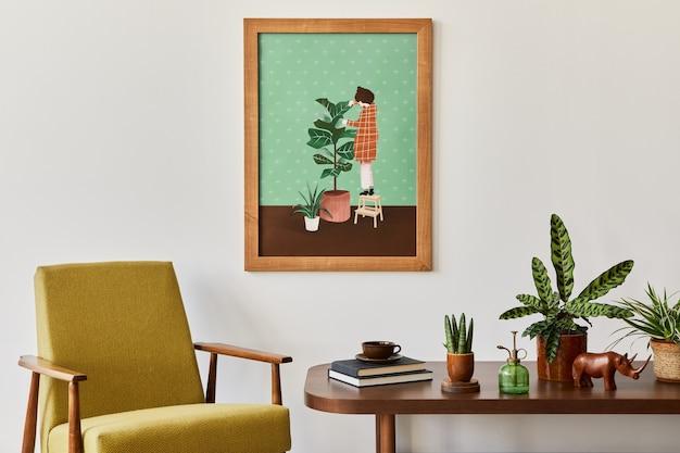 Minimalistyczna kompozycja salonu z brązową makietą ramy obrazu, rośliną, fotelem retro, suszonym tropikalnym liściem, dekoracją i eleganckimi dodatkami osobistymi w stylowym wystroju domu. szablon.