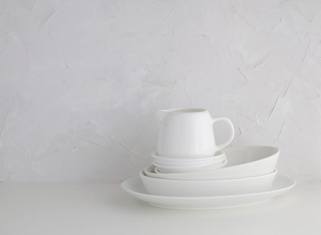 Minimalizm biała porcelanowa zastawa stołowa styl życia biały