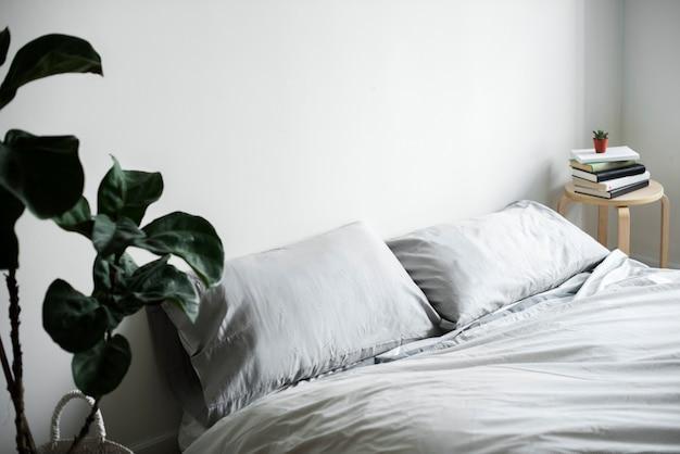 Minimalna dekoracja sypialni