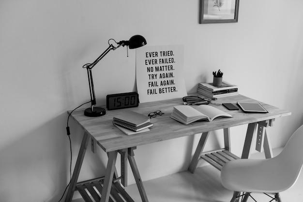 Minimalny styl przestrzeni roboczej