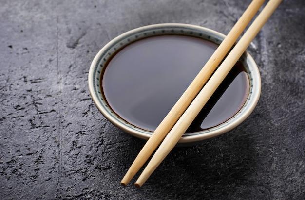 Miseczki sosu sojowego