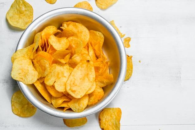 Miska na chipsy ziemniaczane.
