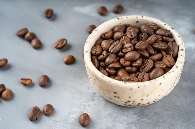 Miska palona, kawowa, ziarnista, ceramiczna