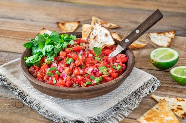 Miska salsy - słynny meksykański sos