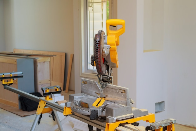 Mitre saw in crosscut timber