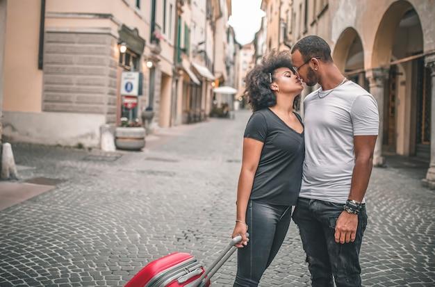 Młoda afrykańska para zakochanych