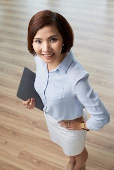 Młoda biznesowa kobieta