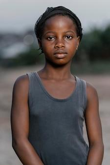 Młoda dziewczyna z afryki
