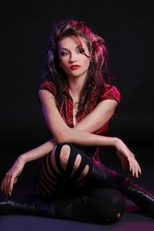 Młoda i piękna kobieta z makijażem