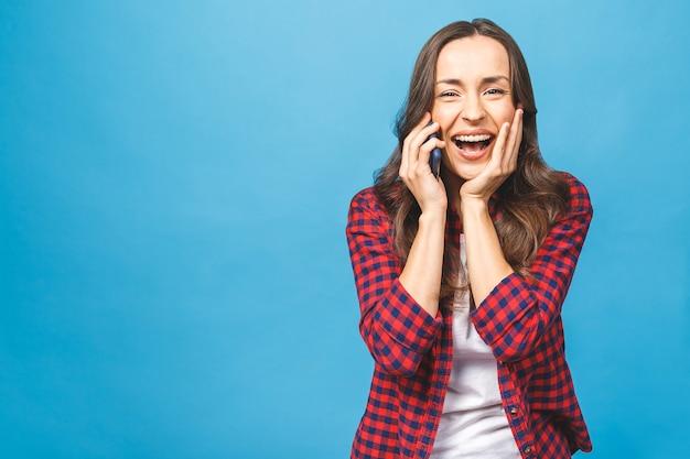 Młoda kobieta telefon