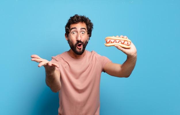 Młoda para o zabranie hot doga do domu.