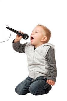 Młoda piosenkarka