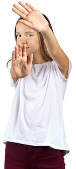 Młoda poważna piękna kobieta pokazuje przerwa znaka.