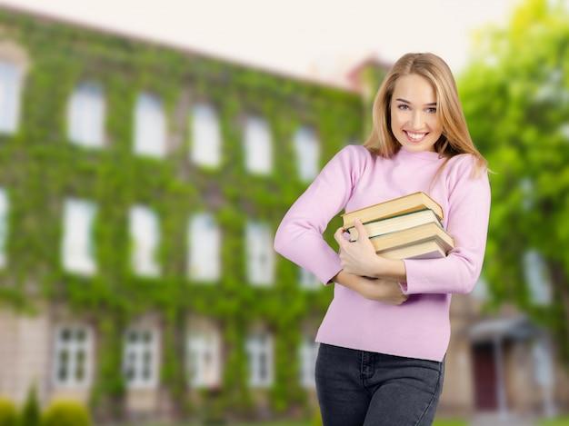 Młoda studencka kobieta