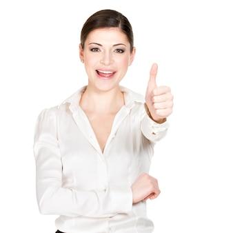 Młoda szczęśliwa kobieta z kciuki do góry podpisuje białą koszulę biurową -.