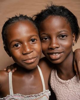 Młode siostry afrykańskie