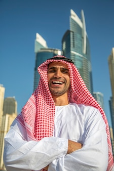 Młody arabski biznesmen