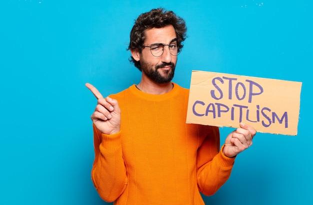 Młody brodaty mężczyzna zatrzymać koncepcję kapitalizmu