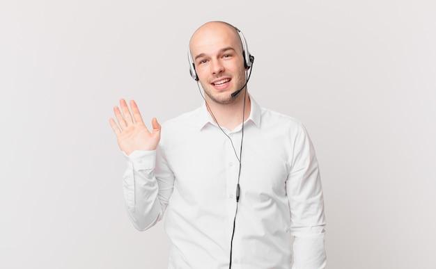 Młody dorosły człowiek telemarketera