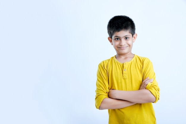 Młody indyjski ładny portret dziecka