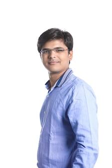 Młody indyjski mężczyzna