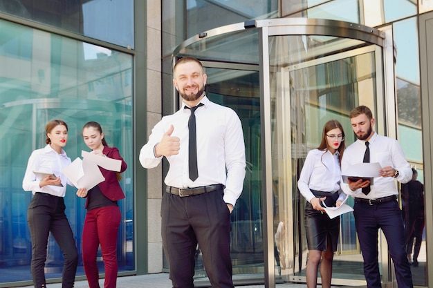 Młody męski biznesmen