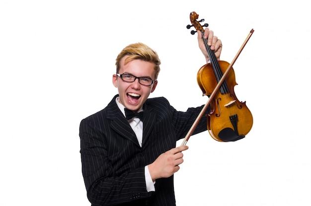 Młody muzyk z skrzypce odizolowywającym na bielu