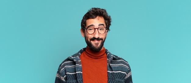 Młody szalony brodaty mężczyzna. szczęśliwa i zdziwiona ekspresja