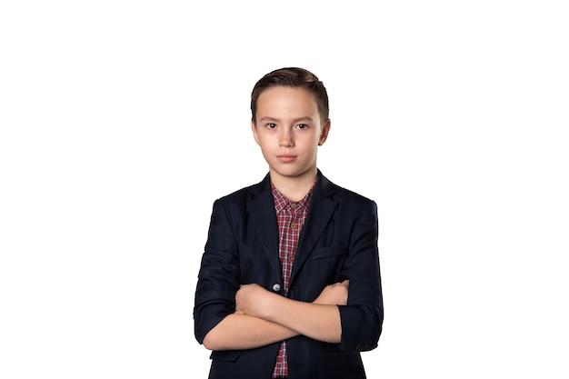 Młody szef biznesu sukcesu w garniturze