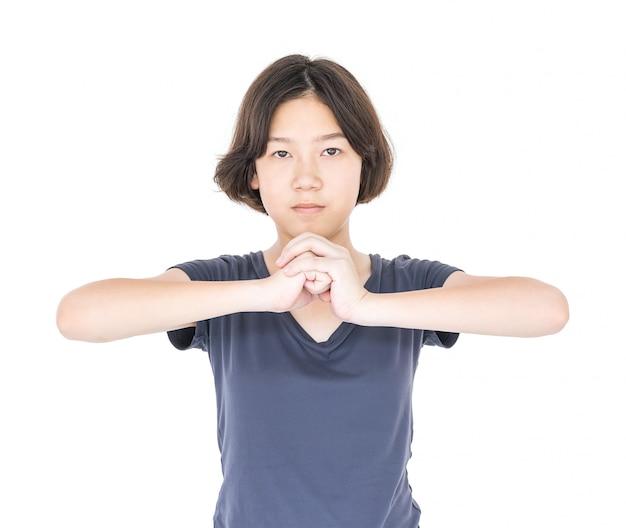 Młody żeński krótki włosy z pustą szarą koszulką