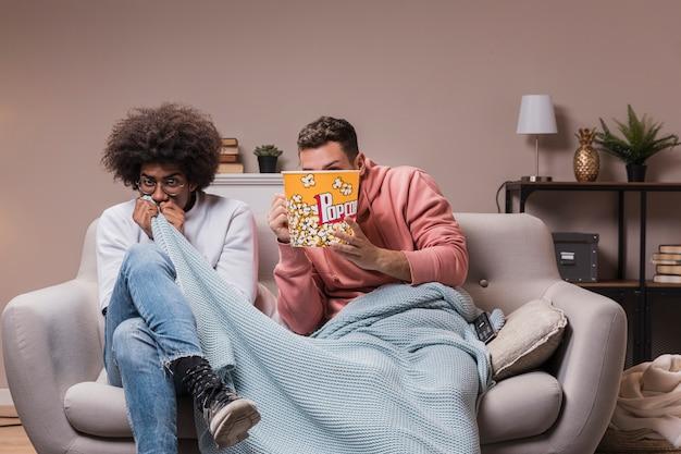 Młodzi przyjaciele boją się filmu
