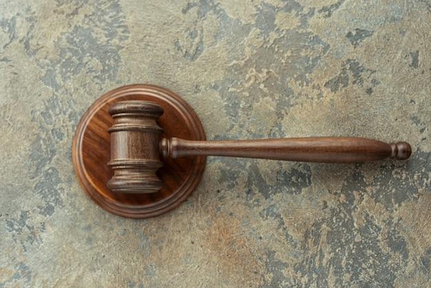 Młot sędziowski (młot aukcyjny) - widok z góry