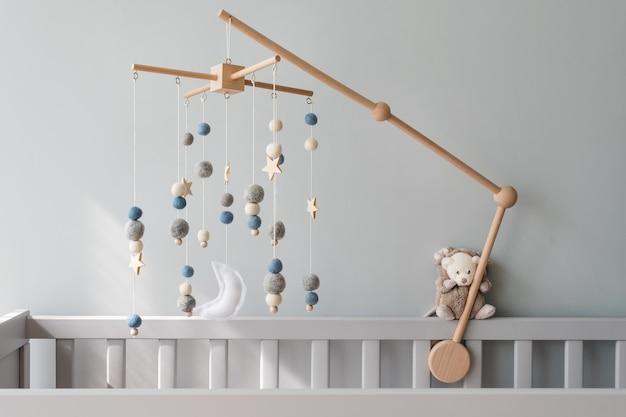 Mobilne łóżeczko dziecięce z gwiazdami, planetami i księżycem dla dzieci ręcznie robione zabawki nad noworodkiem łóżeczko...