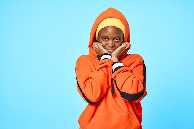 Moda damska studio odzieży afrykański wygląd lifestyle pomarańczowy sweter