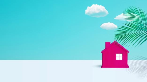Model domu wykonany z drewna w pastelowych kolorach