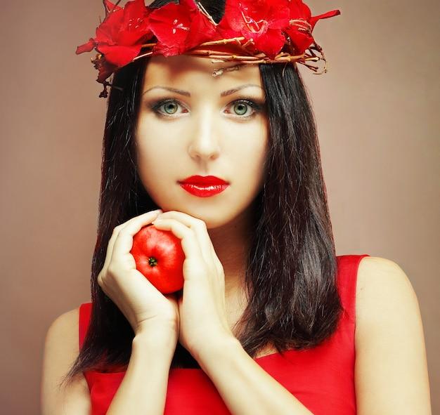 Modelka - twarz pięknej kobiety