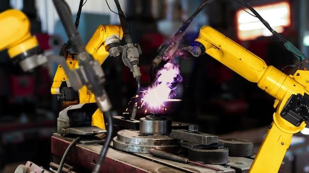 Modernizacja inteligentnych ramion robotów przemysłowych dla technologii cyfrowej fabryki