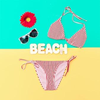 Modne bikini i akcesoria. styl mody plażowej