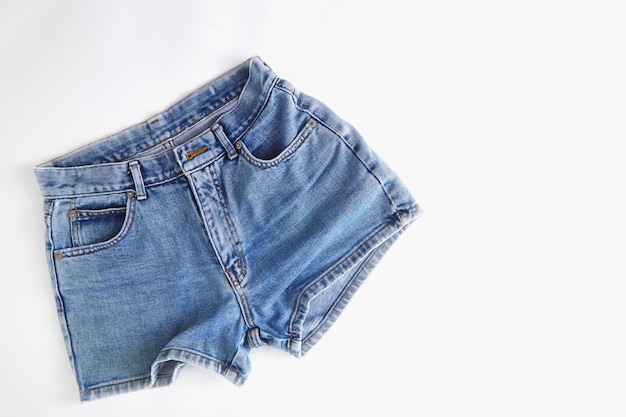 Modne krótkie spodnie jeansowe dla kobiet