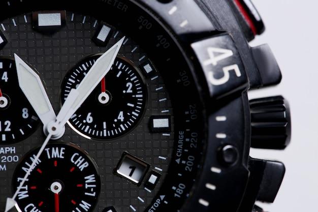 Modny nowoczesny biznesowy zegarek na rękę