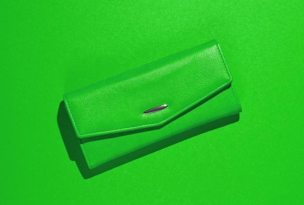 Modny portfel skórzany w kolorze zielonym