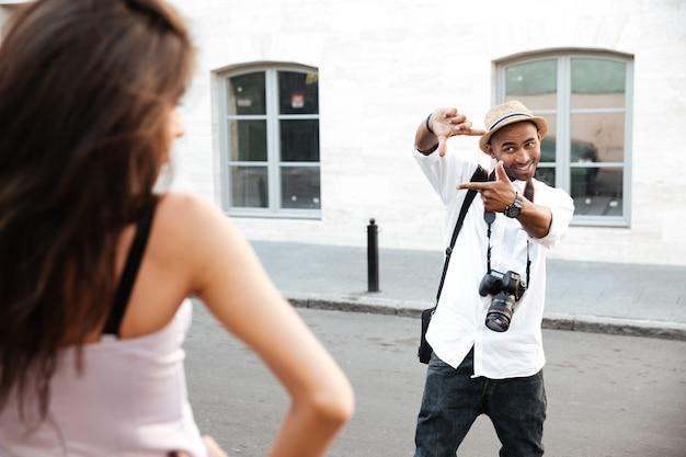 Modowa sesja zdjęciowa na ulicy
