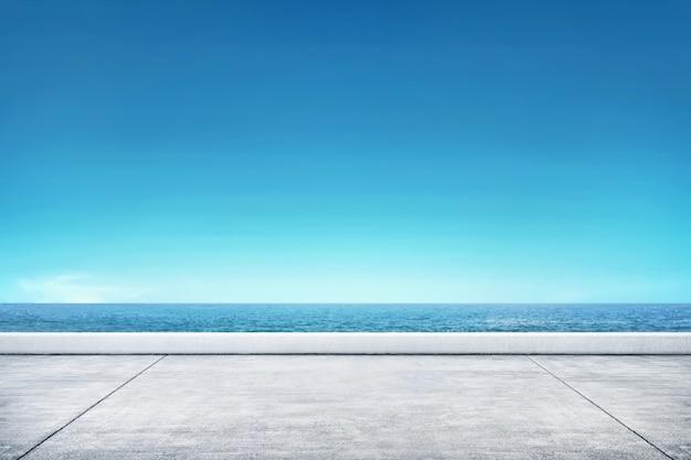 Molo z seascape widokiem