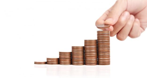 Monety ułożone jedna na drugiej w różnych pozycjach
