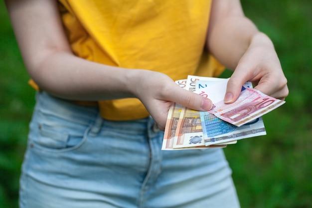 Money in jeans kieszeń spodni na zakupy i biznes