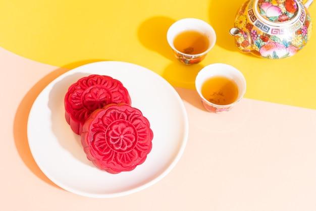 Moon cake o smaku czerwonego aksamitu na święto środka jesieni