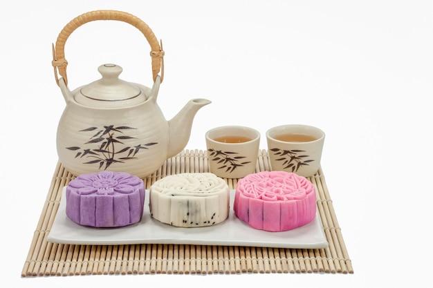 Mooncake z herbatą w święto środka jesieni