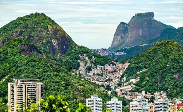 Morro dos cabritos favela w rio de janeiro, brazylia